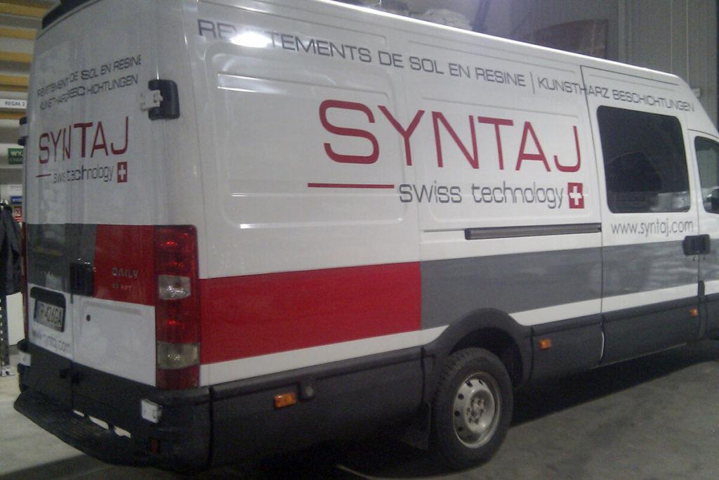 Oklejanie samochodu dostawczego - Syntaj