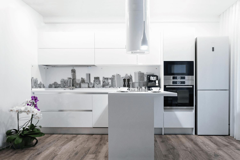 Druk UV świetnie nadaje się do wykorzystania np. na szklanych panelach w kuchni
